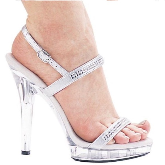 b35a413bc88 Rhinestone diamond Peep Toe Ankle Strap Clear heel. NWT. Ellie